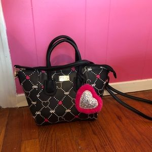 NWOT Betsey Johnson Hearts and Bows Handbag